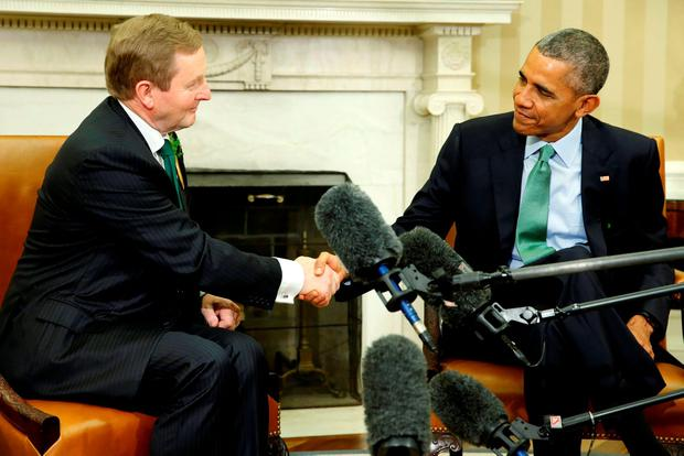 U.S. President Barack Obama (R) welcomes Ireland's Prime Minister Enda Kenny in the Oval Office. REUTERS/Jonathan Ernst