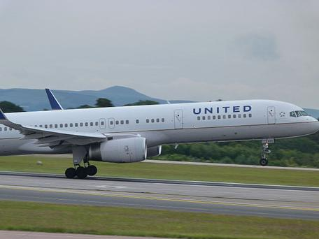A United Boeing 757-200