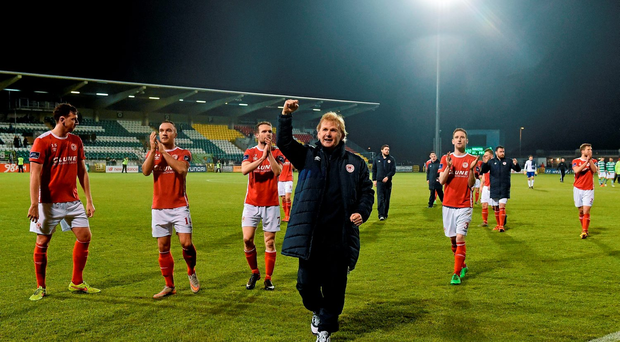 Liam Buckley, St Patrick's Athletic manager celebrates with his players at the end of the game Photo: David Maher / SPORTSFILE