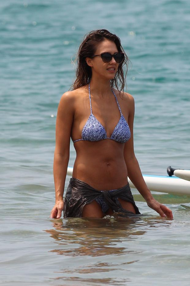 Jessica alba bikini into the blue