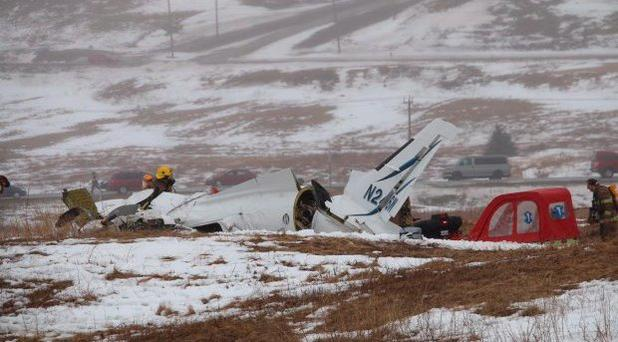 The small aircraft crashed in a field in Havre-aux-Maison on Quebec's Îles-de-la-Madeleine. (Annie Corriveau/Radio-Canada)