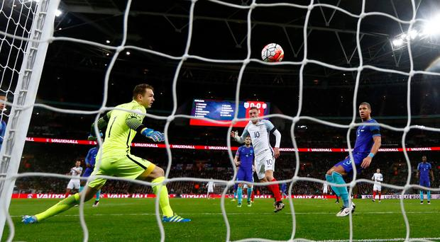 Jamie Vardy scores the opening goal past Jeroen Zoet (Getty Images)