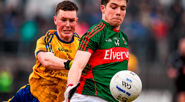 Brian Reape, Mayo, in action against Jack Connaughton, Roscommon Photo: Oliver McVeigh / SPORTSFILE