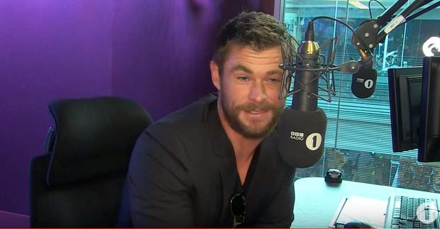Chris Hemsworth reads the lyrics to Rihanna's Work on BBC Radio 1
