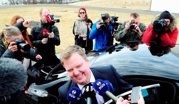 Iceland's Prime Minister Sigmundur David Gunnlaugsson speaks to media outside Iceland president's residence in Reykjavik, Iceland, April 5, 2016. REUTERS/Sigtryggur Johannsson