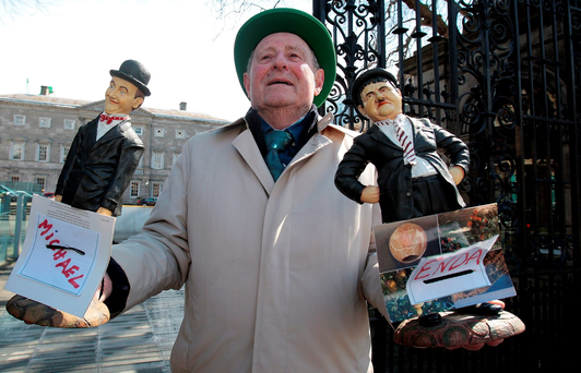 Pete Cryan from Drumshanbo, Co Leitrim, protesting at Leinster House Photo: Tom Burke