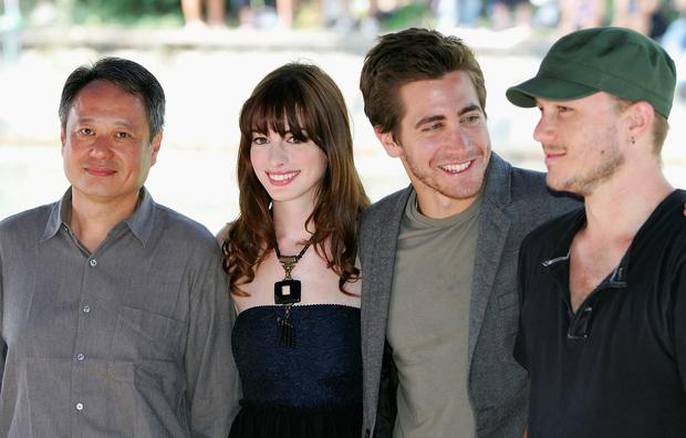 (L to R) Director Ang Lee, actors Anne Hathaway, Jake Gyllenhaal and Heath Ledger arrive for the photocall for the film