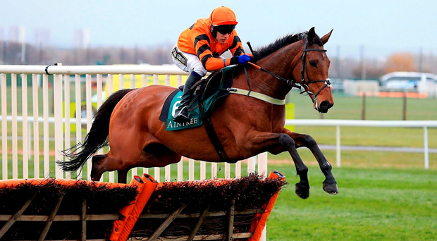 Thistlecrack ridden by Tom Scudamore jumps the final fence on his way to winning the Liverpool StayersÄô Hurdle during Grand National Day of the Crabbie's Grand National Festival at Aintree Racecourse, Liverpool. PRESS ASSOCIATION Photo. Picture date: Saturday April 9, 2016. See PA story RACING Aintree. Photo credit should read: Mike Egerton/PA Wire
