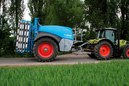 The Lemken Vega is the first trailed sprayer to be developed internally by the Alpen manufacturer.