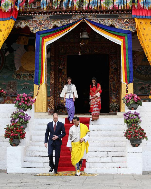 Prince William, Duke of Cambridge walks with His Majesty King Jigme Khesar Namgyel Wangchuck follwed by Catherine, Duchess of Cambridge and Her Majesty Jetsun Pema Wangchuck into the Tashichhodzong (fortress) on the first day of a two day visit to Bhutan on the 14th April 2016 in Paro, Bhutan. (Photo by Chris Jackson/Getty Images)