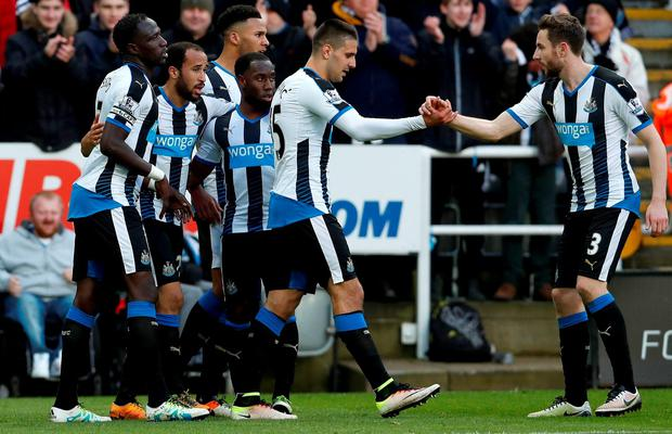 Newcastle United's Andros Townsend (left) celebrates scoring his side's third goal with teammates