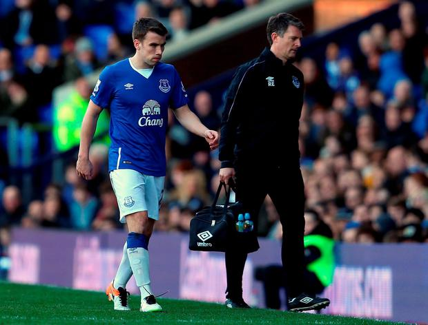 Evertons Seamus Coleman leaves the field during the Barclays Premier League match between Everton and Southampton. Photo: Chris Brunskill/Getty Images