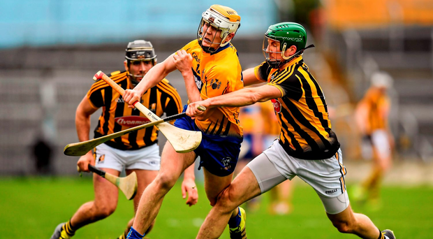 Aron Cunningham skips past Shane Prendergast during Clare's victory over Kilkenny. Photo: Sportsfile