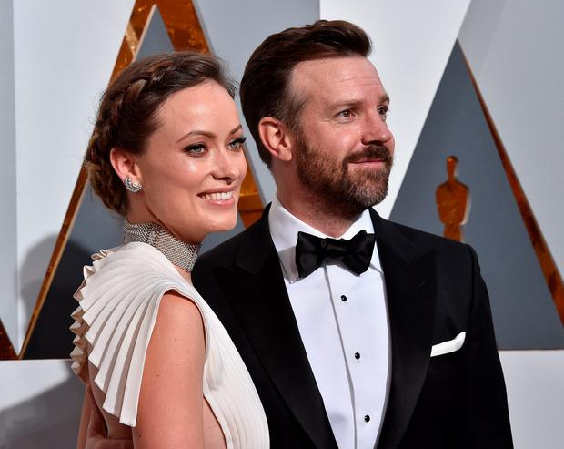 Actors Olivia Wilde (L) and Jason Sudeikis attend the 88th Annual Academy Awards at Hollywood & Highland Center on February 28, 2016 in Hollywood, California. (Photo by Kevork Djansezian/Getty Images)