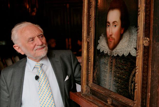 Shakespeare scholar, Professor Stanley Wells, who came forward to claim that this painting was one of the only surviving portraits of William Shakespeare painted during his lifetime. Photo: AFP/Getty Images