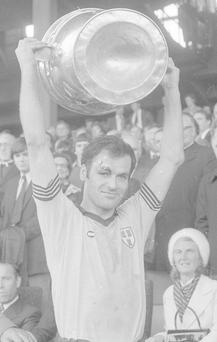 Legendary Dublin captain Tony Hanahoe lifts the Sam Maguire in 1976. Photo: NPA/Independent collection