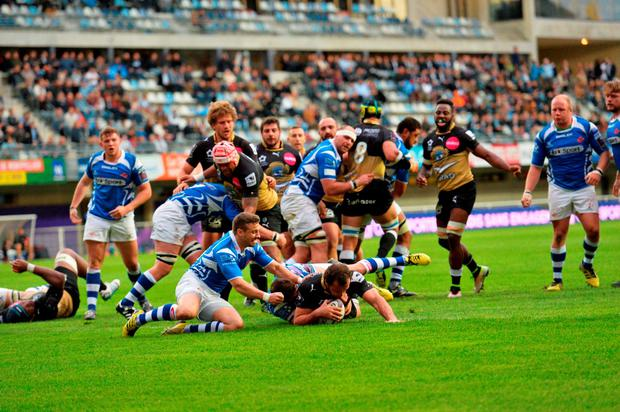 Bismarck Du Plessis from Montpellier scores the only try during the game between Montpellier and the Newport Gwent Dragons