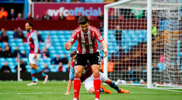 Southampton's Shane Long reacts after missing a chance yesterday Reuters / Darren Staples