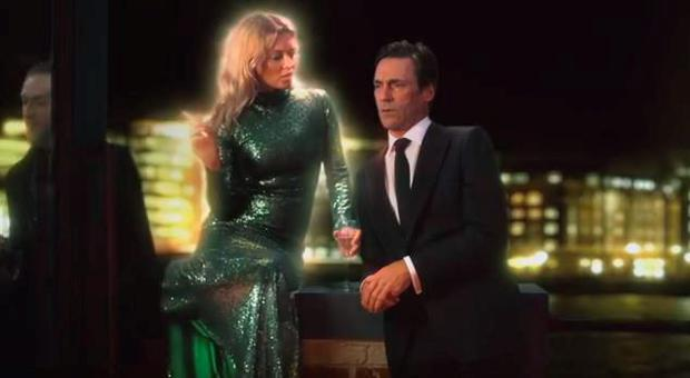 Kate Moss and Jon Hamm in Absolutely Fabulous trailer