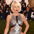 "Singer-Songwriter Taylor Swift arrives at the Metropolitan Museum of Art Costume Institute Gala (Met Gala) to celebrate the opening of ""Manus x Machina: Fashion in an Age of Technology"" in the Manhattan borough of New York, May 2, 2016. REUTERS/Lucas Jackson"