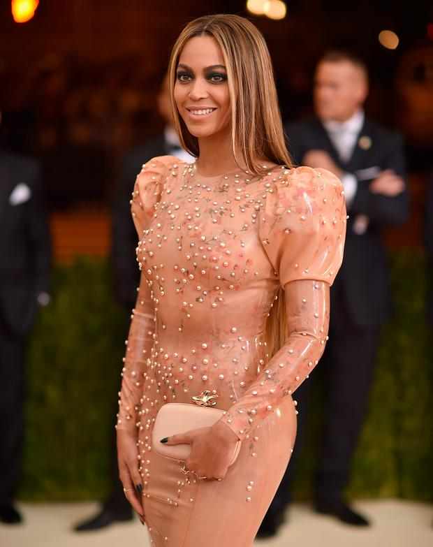 Beyonce attends the 'Manus x Machina: Fashion In An Age Of Technology' Costume Institute Gala at Metropolitan Museum of Art on May 2, 2016 in New York City. (Photo by Dimitrios Kambouris/Getty Images)