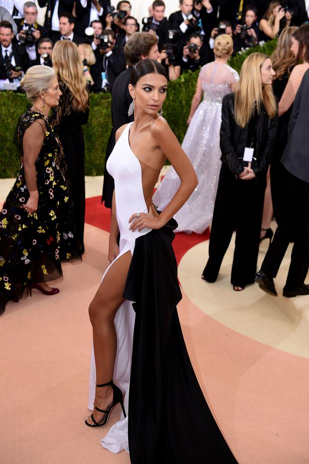 Emily Ratajkowski arrives at the Costume Institute Benefit at The Metropolitan Museum of Art May 2, 2016