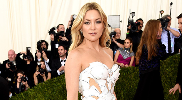 Kate Hudson in Atelier Versace at the Met Gala 2016. Photo: Getty