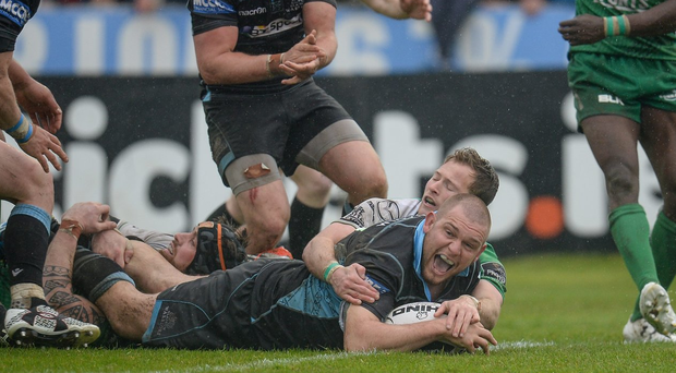 Gordon Reid touches down for Glasgow Warriors during the match against Connacht. Photo: Seb Daly / Sportsfile