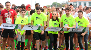Leo Varadkar at the start line alongside Michael Conlan, Felix Jones, Roz Purcell, Eoghan McDermott and Bernard Brogan Photo: Stephen Collins/Collins Photos