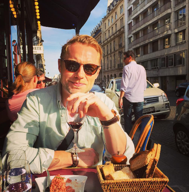 Ronan Keating relaxes in Paris ahead of Monday night's Global Gift Gala. Photo: Storm Keating / Instagram