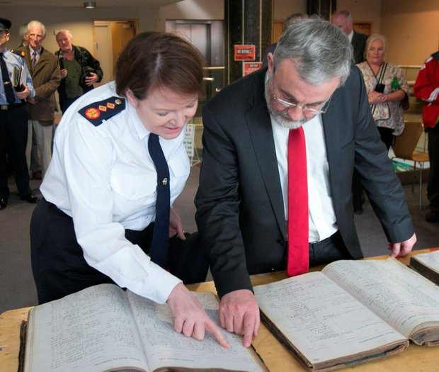 Siptu general president Jack O'Connor and Garda Commisioner Nóirín O'Sullivan look at the prisoner books at a ceremony in Liberty Hall in Dublin yesterday (Photos: Gareth Chaney_