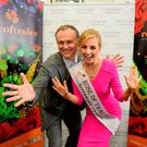 Rose of Tralee presenter Dáithí Ó Sé and the current Rose of Tralee Elysha Brennan officially unveil Tipperary Crystal as the new sponsor of the festival. Photo: Domnick Walsh