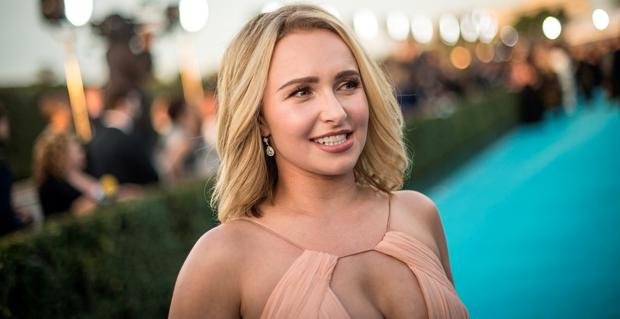 Actress Hayden Panettiere attends the 21st Annual Critics' Choice Awards at Barker Hangar on January 17, 2016 in Santa Monica, California. (Photo by Jason Kempin/Getty Images for The Critics' Choice Awards)