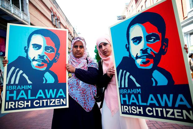 Nosayba (left) and Somaia Halawa, sisters of Ibrahim Halawa, in Dublin's city centre, where family members and supporters held an awareness day yesterday. Photo: Brian Lawless/PA