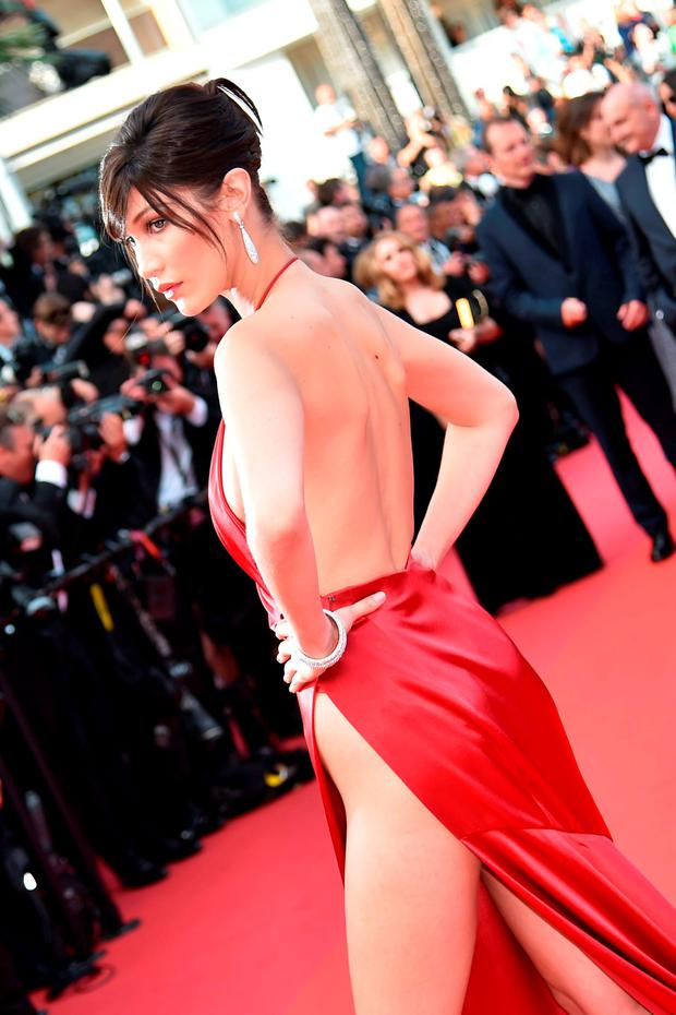US model Bella Hadid poses as she arrives on May 18, 2016 for the screening of the film