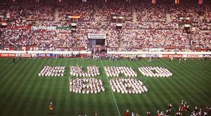 DUSSELDORF, GERMANY - JUNE 10: EURO 1988, EROEFFNUNGSFEIER, DUESSELDORF; RHEINSTADION DUESSELDORF (Photo by Bongarts/Getty Images)