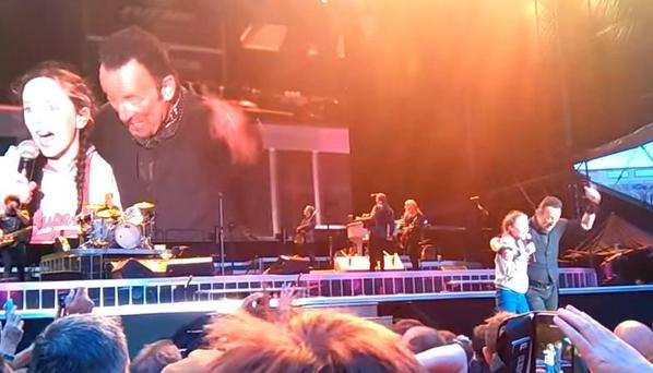 Young fan invited on stage to sing with Bruce Springsteen at Croke Park