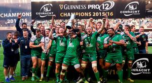 Connacht players celebrate following their side's victory in the Guinness PRO12 Final match between Leinster and Connacht at BT Murrayfield Stadium in Edinburgh, Scotland. Photo by Ramsey Cardy/Sportsfile