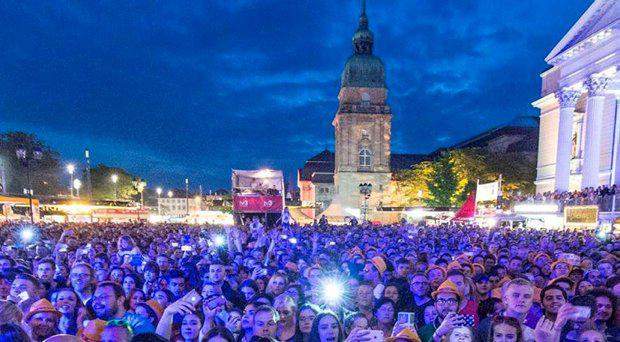 Stock image of fans at the Schlossgrabenfest music festival in Darmstadt