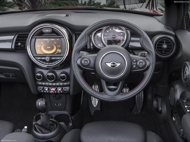 Prices for the new MINI Convertible start at €27,270.