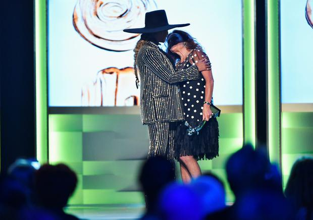 NEW YORK, NY - JUNE 06: Designer Diane von Furstenberg presents Beyonce with The CDFA Fashion Icon Award on stage at the 2016 CFDA Fashion Awards at the Hammerstein Ballroom on June 6, 2016 in New York City. (Photo by Theo Wargo/Getty Images)