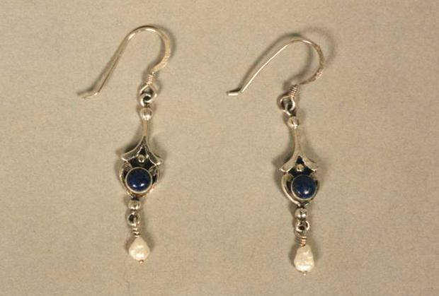 Missing earrings similar to the ones belonging to Melanie Hall. Avon and Somerset Police/PA Wire