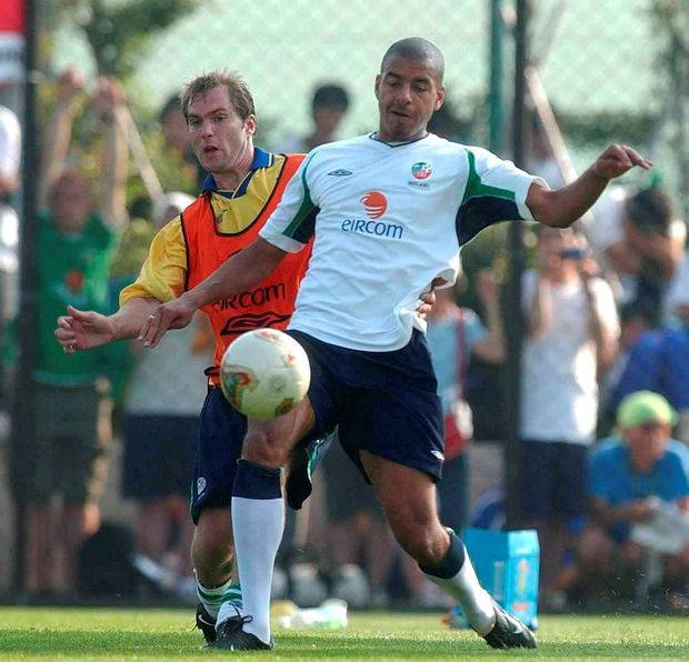 Stephen Reid in action against team-mate Jason McAteer during squad training in 2002; Photo: David Maher / Sportsfile