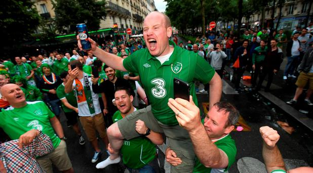 Republic of Ireland supporters in Montmartre at UEFA Euro 2016 in Paris, France. Photo by Stephen McCarthy/Sportsfile