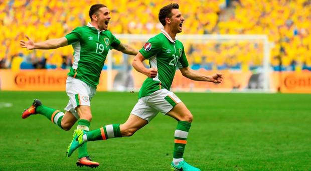 13 June 2016; Wes Hoolahan of Republic of Ireland celebrates after scoring his side's first goal with team-mate Robbie Brady, left, during the UEFA Euro 2016 Group E match between Republic of Ireland and Sweden at Stade de France in Saint Denis, Paris, France. Photo by Stephen McCarthy/Sportsfile