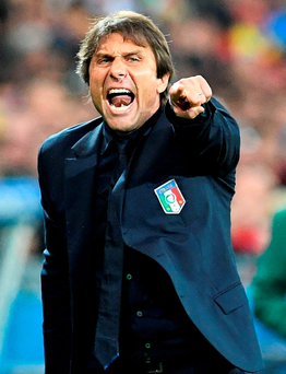 Italy's coach Antonio Conte reacts during the match Belgium and Italy. Photo: Vincenzo Pinto/Getty Images