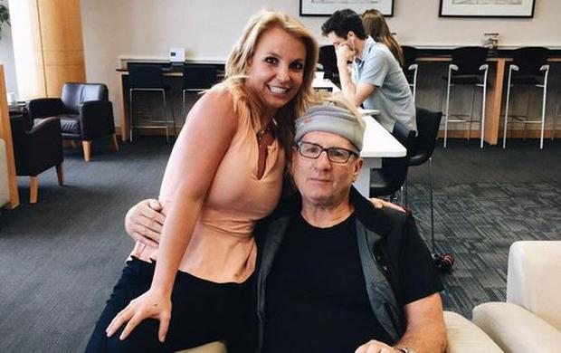 Britney Spears poses with Ed O'Neill