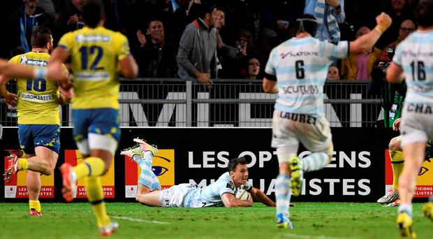 Racing Metro 92 Argentine wing Juan Imhoff (C) scores the decisive try