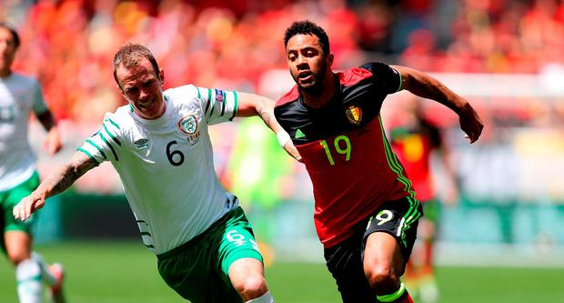 Belgium's Mousa Dembele (right) and Republic of Ireland's Glenn Whelan (left) battle for the ball during the UEFA Euro 2016, Group E match at the Stade de Bordeaux, Bordeaux