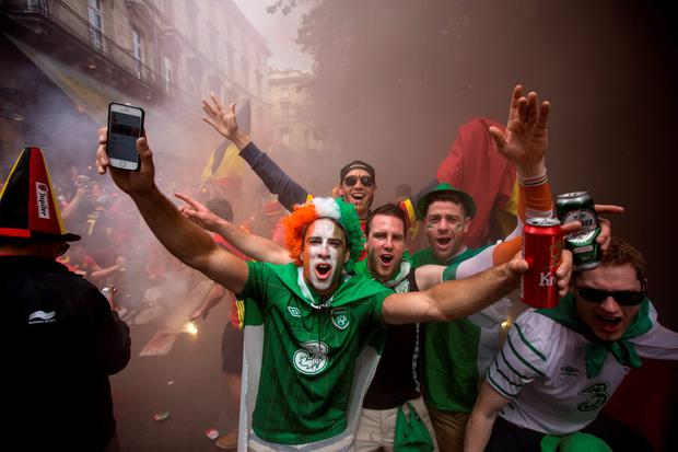 Irish fans in Bordeaux before the game